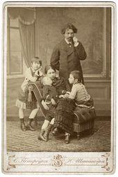 И.Е. Репин с В.А. Репиной и детьми. 1883