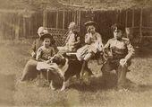 Семья А.В. Жиркевича на даче.