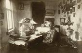 К.М. Фофанов в своем рабочем кабинете