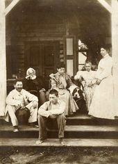 Семья И.Е. Репина в Здравнёве. 1894