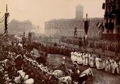 Траурная процессия шествует на вокзал, откуда тело усопшего императора будет доставлено в Москву. 1894