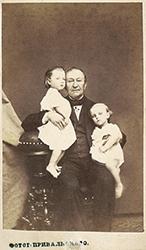 Павел Васильевич Кукольник с Катей и Андреем Снитко.