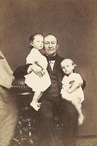 П. В. Кукольник с племянниками