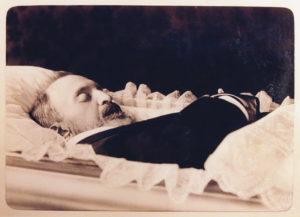 А. Н. Апухтин в гробу